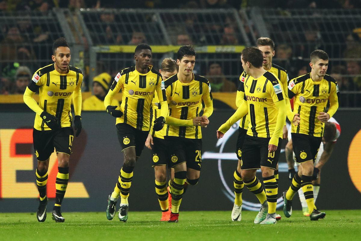 Borrusia Dortmund Football Team