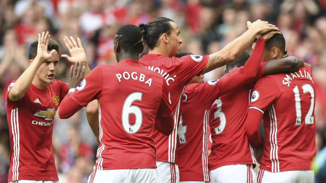 "MANCHESTER UNITED FOOTBALL TEAM ""width ="" 972 ""height ="" 546 ""/> </p> <p><span style="
